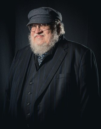 512px-Portrait_photoshoot_at_Worldcon_75,_Helsinki,_before_the_Hugo_Awards_–_George_R._R._Martin