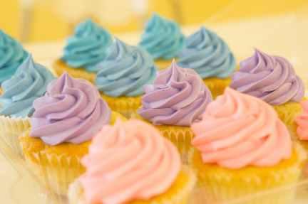 blur cakes close up cupcakes